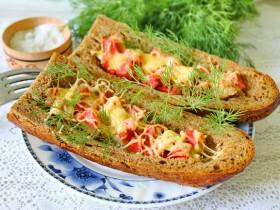 Рецепт горячих бутербродов в багете с фото.