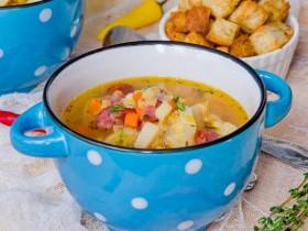 Томатный суп с чечевицей.