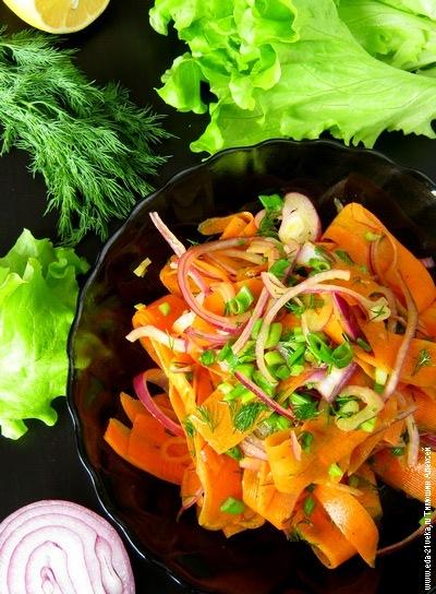 Салат из моркови и красного лука. Рецепт с фото.