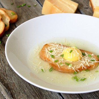 Суп Павезе (Zuppa Pavese). Итальянская кухня.