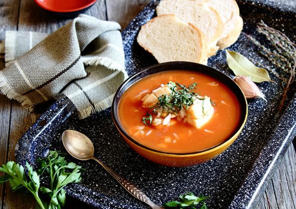 Томатный рыбный суп из трески.